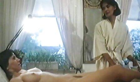 مردی در حال سکس الکسیس با چند مرد تماشای دو لزبین است
