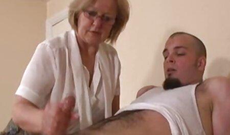 swingers بالغ برای فیلم سکسی زن بالغ یک زن و شوهر جوان
