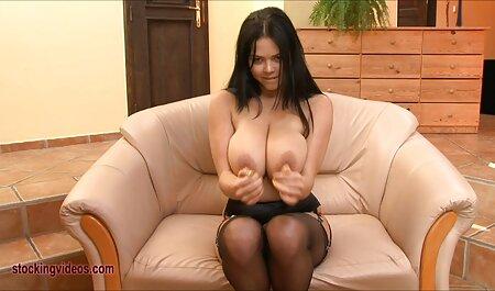 مادر باریک در دوربین fucks می کند سکس سگ با زن خارجی