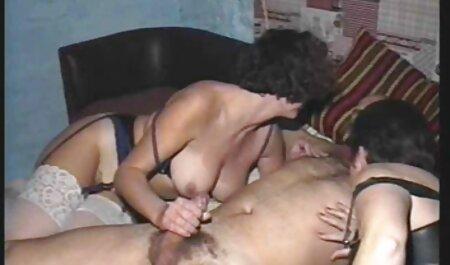 انگشت فیلم سکسی خودارضایی زنان دهان خود را