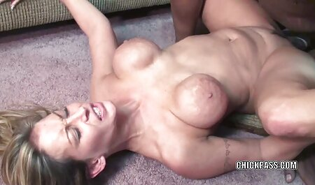 لزبین های ناز بازی های کثیف را فیلم سکسی زن خوشگل انجام می دهند