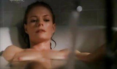 پسر مادر داغ را اغوا می کند داستان سکسی زنا
