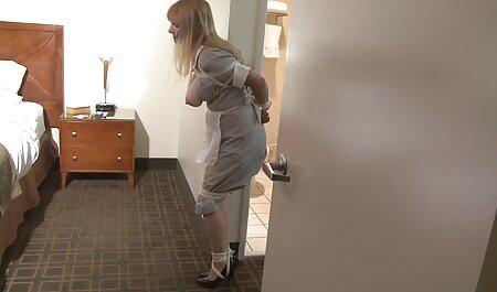 زن زشتی خودش را نوازش می فیلم سکس کردن زن و شوهر کند
