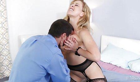 مایع منی سکس زن با فیل در دست