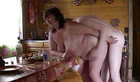 یک پسر مادر آنلاین فیلم سکس زن با حیوان روسی را لعنتی کرد