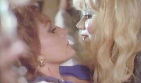 سکس فیلم سکس با پیرزن دهانی روسی با یک بلوند