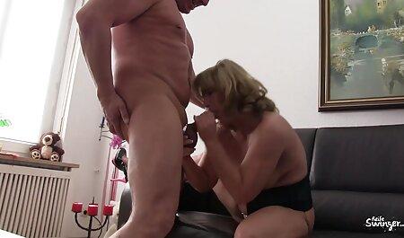 بیلیارد زن کیرداربازن روسی با تلیسه های برهنه