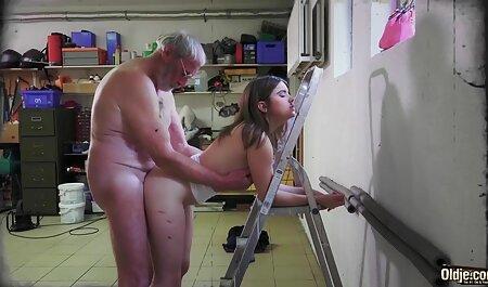 پورهای جوجه نازک سکسی زن با اسب در پورنو آماتور
