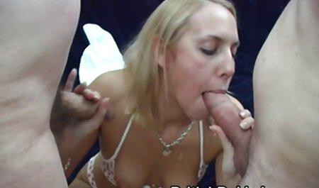 چیز فیلم سکسی ۱۳ساله قابل فریب در یک مهمانی سرخ شده است