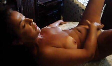 لاتینا عاشق عاشقانه تعطیلات گرم فیلم سکس با زن دوست است